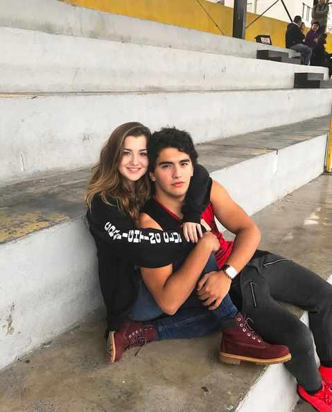 Con su novio
