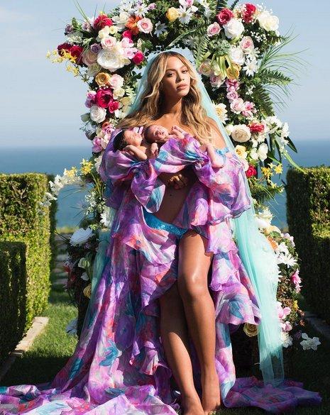 Beyoncé presenta a sus bebés
