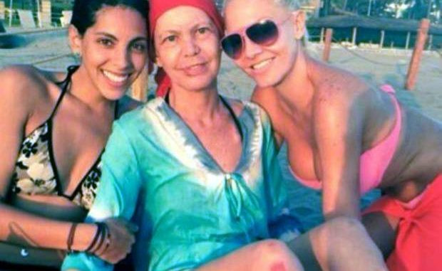 Pauola Durante (derecha) y su mamá (al centro)