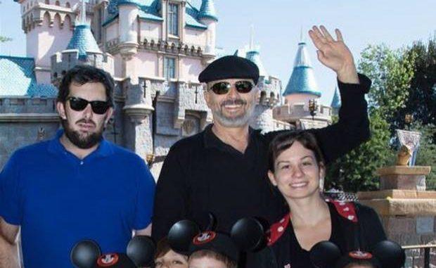 Miguel Bosé publicó fotos de sus cuatro hijos para evitar ser extorsionado