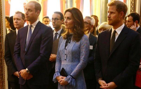 Kate Middleton reaparece luciendo por primera vez su tercer embarazo