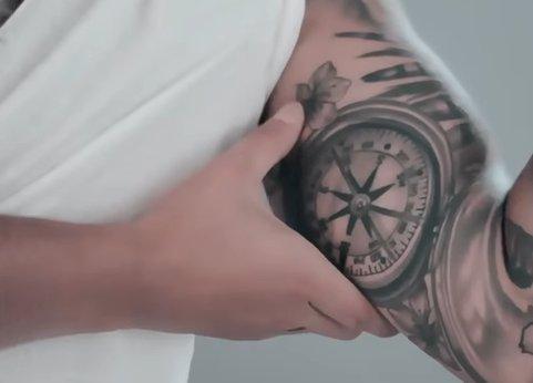 Tatuajes De Maluma Pacto Con Los Illuminati