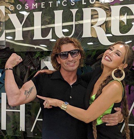 Thalía X Eylure