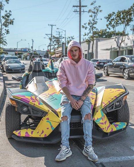 Brad Sousaa se hace pasar por Justin Bieber