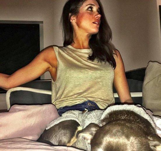 Meghan Markle : Una selfie con todo y mascota