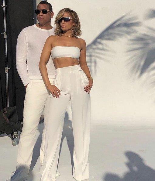 Jennifer Lopez y Alex Rodriguez protagonizan campaña para marca de lentes