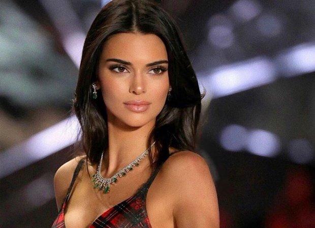 """A Kendall Jenner usar tacones la hace sentir """"poderosa"""""""