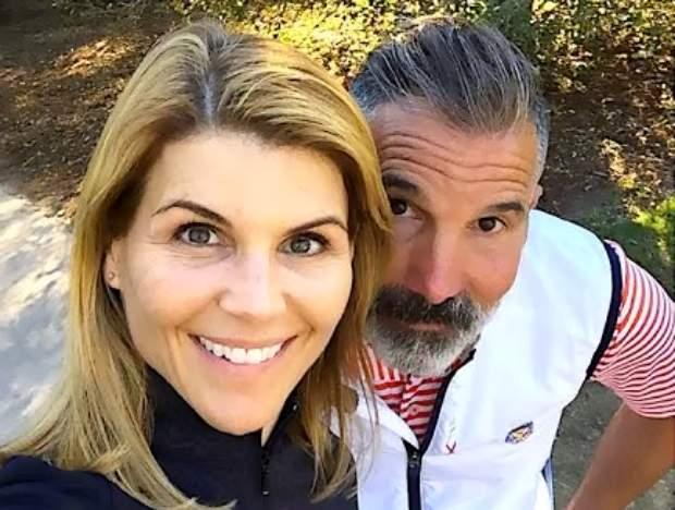 Lori Loughlin y Mossimo Giannulli planean una lujosa fiesta antes de ir a prisión