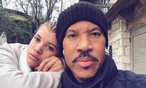 """Lionel Richie quiere que sus hijos """"luchen"""" y no estén """"bajo su sombra"""""""
