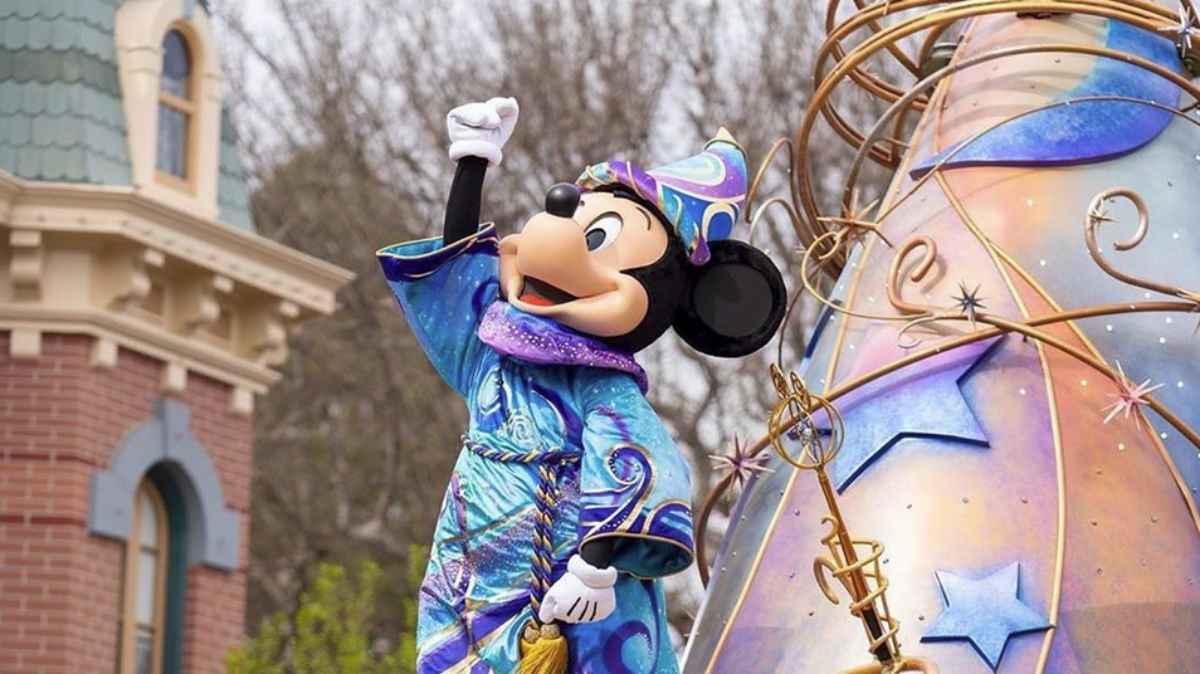 Parques de Disneyland permanecerán cerrados de manera indefinida