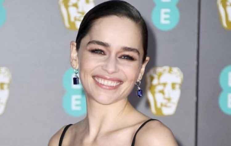 Emilia Clarke subasta una cena con ella para financiar a una clínica de rehabilitación