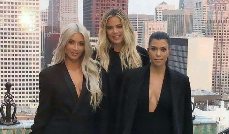 Kim Kardashian llevará a almorzar a un fan con ella y sus hermanas