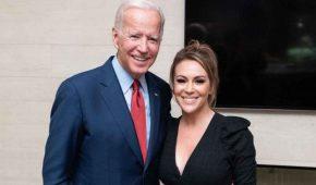 """Alyssa Milano es criticada por """"apoyar ciegamente"""" a Joe Biden"""