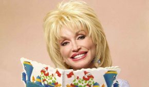 Dolly Parton anuncia donación y nueva serie para ayudar en la pandemia