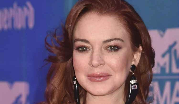 Lindsay Lohan anuncia su regreso tras una década de ausencia