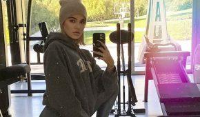 Khloe Kardashian ha entrenado duro durante la cuarentena