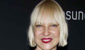 Cantante Sia habla de lo que la motivó a adoptar dos adolescentes