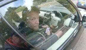 Guy Ritchie tiene su licencia de conducir suspendida por seis meses