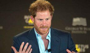 El príncipe Harry tiene una 'nueva figura paterna' y es una estrella de Hollywood