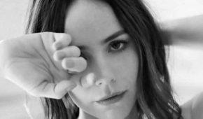 Camila Sodi grita de dolor al realizarse prueba de Covid-19