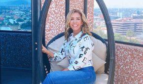 Rocío Sánchez Azuara honra a su fallecida hija con un altar de muertos