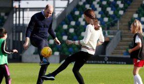 Príncipe William agradece a los fans del fútbol