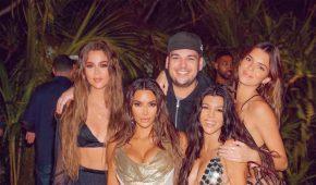 Kim Kardashian es víctima de críticas y burlas tras viaje a Tahití