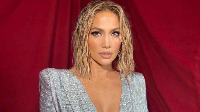 Jennifer Lopez quiere que se elogie la belleza de las mujeres sin mencionar la edad