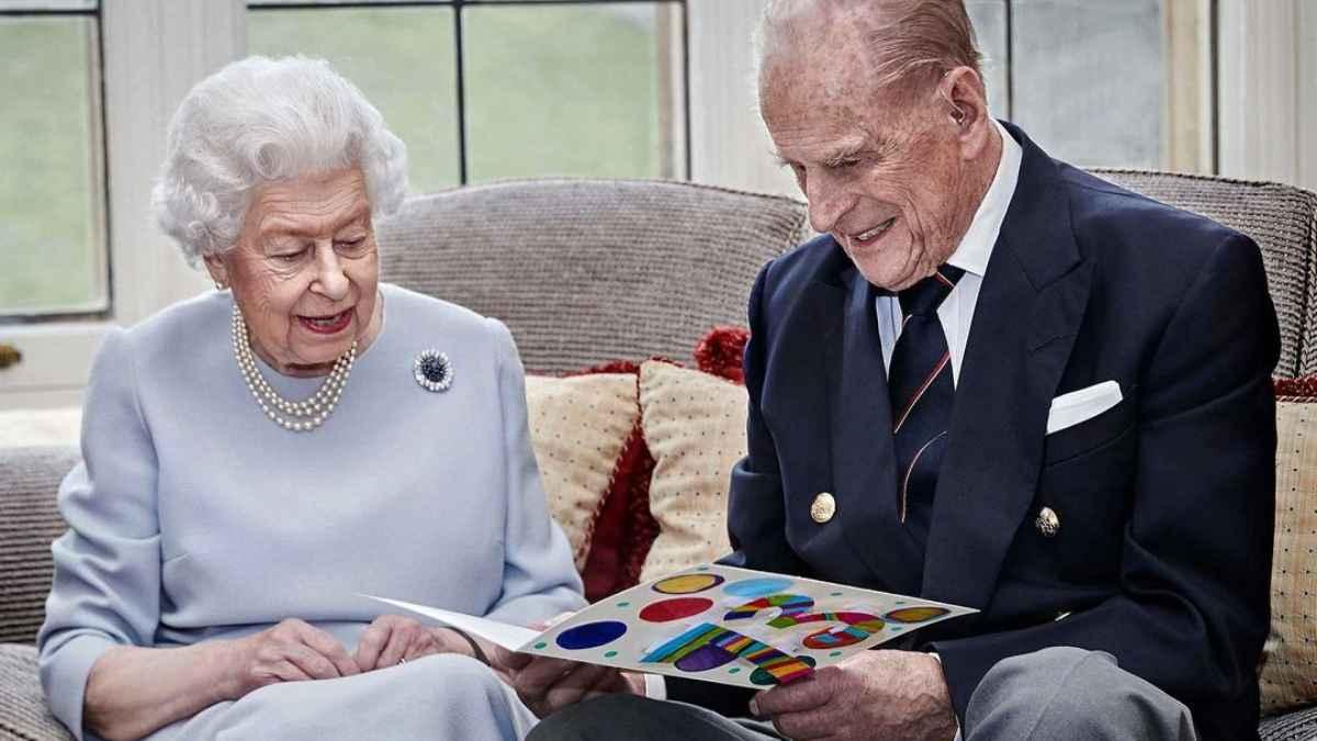 Esposo de la reina Elizabeth II  es hospitalizado