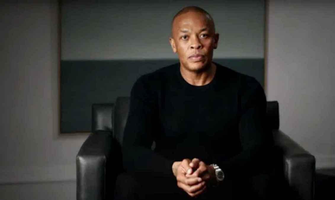 El Dr. Dre todavía está en la UCI por su aneurisma cerebral