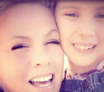 Pink sorprende al grabar dueto con su hija de 9 años